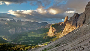 Climb with IFMGA certified mountain guides in the Dolomites.